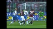 Lucchini intercetta con il braccio il tiro di Jankulovski, è rigore per il Milan
