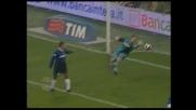 Julio Cesar insuperabile, doppia parata nel derby col Milan su Cafu e Seedorf