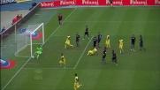 Calcio di rigore in favore del Chievo per trattenuta di Klose ai danni di Sardo