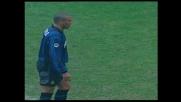 Ronaldo dagli undici metri segna il goal dell'Inter sul Bari