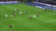 Zambrotta ferma la Roma intercettando la palla e in rovesciata libera l'area del Milan