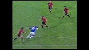 Tomasson dal limite cerca il goal, ma Antonioli è attento