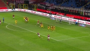 La punizione di Alex si stampa sul palo contro il Parma