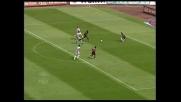 Suazo quasi letale, il palo gli impedisce il goal all'Udinese