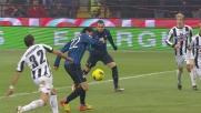 Un tackle catastrofico di Ferronetti travolge Milito in area procurando un rigore per l'Inter