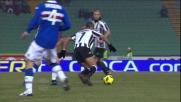 Con un colpo di tacco Sanchez esce da un raddoppio in Udinese-Sampdoria