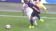 Angella contrasta Bacca in area di rigore e rischia il penalty: l'arbitro lascia correre