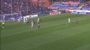 Acquah strattona in modo evidente Izzo: l'arbitro assegna il rigore al Genoa