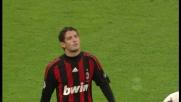 Pato fa sparire il pallone nella metà campo del Torino con un numero