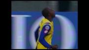 Obinna realizza con un pallonetto il secondo goal di in Livorno-Chievo