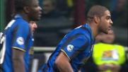 Adriano porta in vantaggio l'Inter sul Milan con un goal ai limiti del regolamento