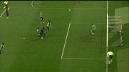 Ali Adnan aggancia Babacar in area: calcio di rigore per la Fiorentina