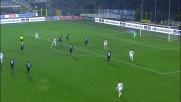 All'Atleti Azzurri d'Italia Dzemaili castiga la difesa dell'Atalanta con un goal di sinistro al volo