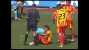 All'Olimpico scontro 'testa a testa' tra Behrami e Rullo nel tentativo di recuperare il pallone
