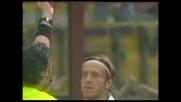 Ambrosini furioso con l'arbitro: doppio giallo e Milan in dieci contro la Roma