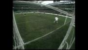 Ambrosini, una schiacciata di testa riuscita a metà: è palo per il Milan