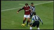 Antonini passa in mezzo a due avversari e spaventa il Siena