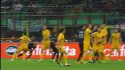 Autorete di Moras, colpito per sbaglio dal pallone in Inter-Verona