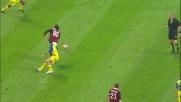 Dribbling col doppio passo di Ronaldinho per servire Borriello contro il Chievo