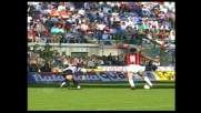 Van Basten mette a sedere Peruzzi e segna un goal contro la Roma