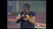 Ballotta spezza il contropiede dell'Udinese parando la conclusione di Asamoah