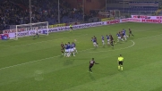 Balotelli ci prova con un siluro su punizione: palla alta di poco sopra la traversa di Viviano