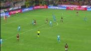 Balotelli scavalca la difesa del Napoli con un lancio di tacco