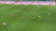 Balotelli tenta la conclusione dai 25 metri ma la palla sorvola la traversa di Sorrentino