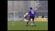 Batistuta in tuffo segna il goal che apre le marcature con il Cagliari