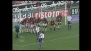 Batistuta porta a tre i goal di vantaggio sul Milan con una punizione in area
