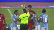 Bellusci ferma irregolarmente Onazi e l'arbitro gli mostra il cartellino rosso