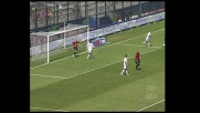 Biondini alza il braccio sulla punizione di Totti: rigore per la Roma