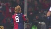 Biondini penetra nell'area del Torino e segna il goal del pareggio per il Genoa