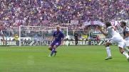 Borja Valero scambia di tacco con Pasqual beffando la difesa del Cagliari