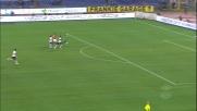 Borriello supera il portiere ma non evita il palo contro il Genoa