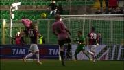 Budan svetta in alto e segna il goal del pareggio del Palermo