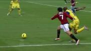 Luciano superato da Pato in area lo atterra procurando un rigore per il Milan