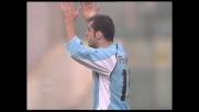 Pandev prende la mira e calcia, palo contro il Cagliari