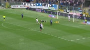 Capitan Bellini anticipa tutti ma causa l'autogoal contro il Milan