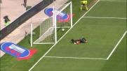 Capolavoro Donadel: il suo goal da fuori area porta in vantaggio l'Hellas Verona
