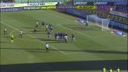 Castellazzi devia la punizione di Domizzi e risparmia un goal all'Inter