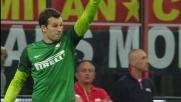 Handanovic para il tiro di Montolivo e salva l'Inter nel derby col Milan