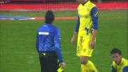 Cesar fuori tempo stende Pinilla in tackle: rigore solare per il Cagliari