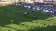 Colpo di testa pericoloso di Moretti contro il Bologna: palla fuori di un soffio