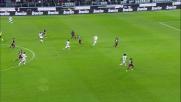 Cuadrado contrastato da Munoz perde palla all'ingresso dell'area del Genoa