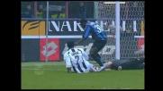 De Sanctis atterra Martins in area: per l'arbitro è rigore a favore dell'Inter