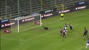 De Silvestri supera Agazzi con un sinistro beffardo: è il goal del 2-2 tra Cagliari e Sampdoria