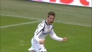 Denis chiude la partita contro il Genoa a Marassi con un bel goal