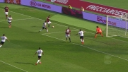 Destro cerca il goal di tacco, ma fallisce in Bologna-Genoa