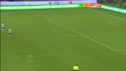 Destro da centrocampo realizza il goal dell'anno contro il Verona!